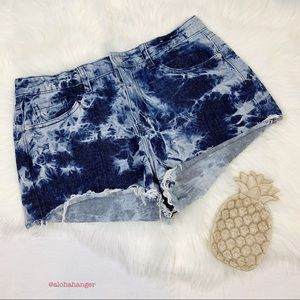 Mossimo High Rise Acid Wash Denim Shorts!!